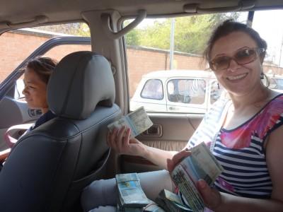 Мадам Ублажает Пассажира В Машине