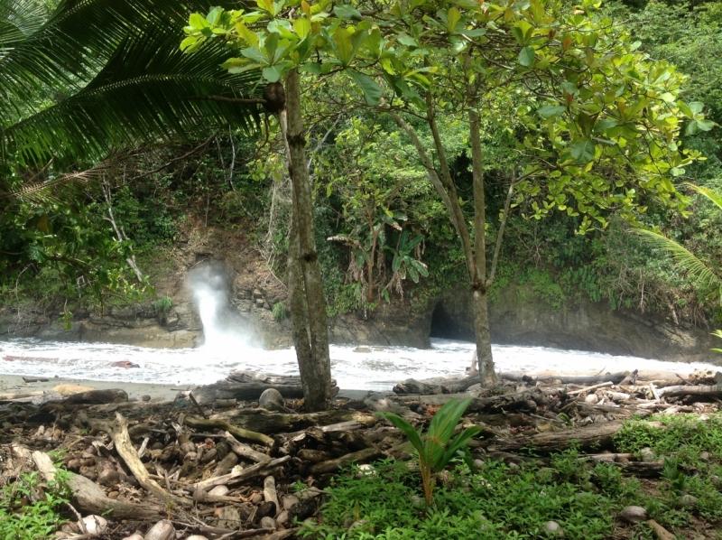 Lost in Costa Rica. Пляжи, водопады, дороги. Ojochal, Uvita etc