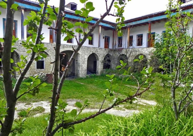 К вехам истории, к морю, к горам и водопадам, в Дагестан