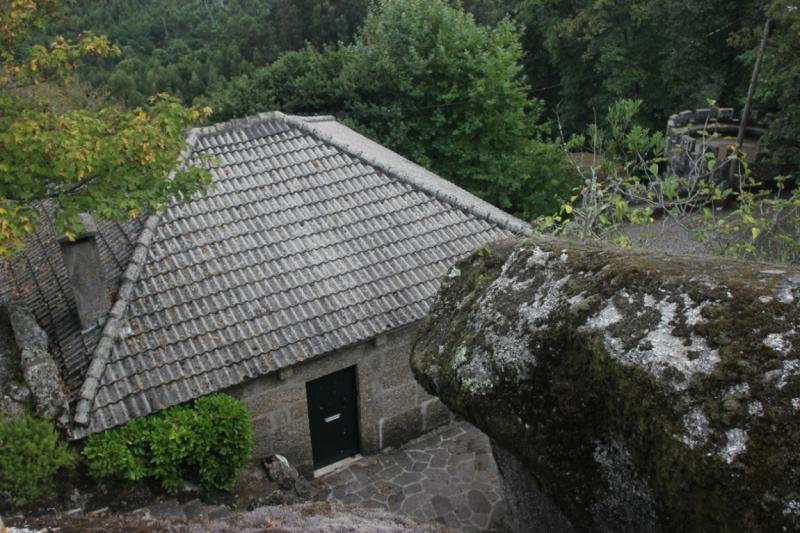8 городов Португалии + пещеры и Дом Камень