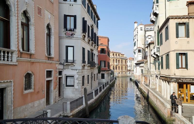 Венеция (2015, 2016, 2017, 2019, 2020...). В нескольких томах с продолжением.