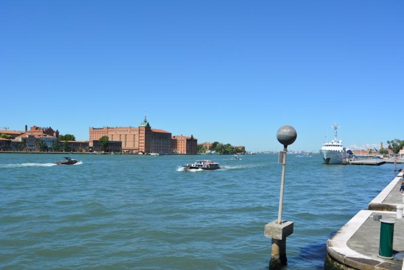 Лидо, гид по Венеция — Airbnb: по районам