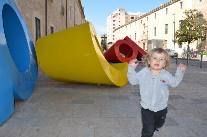 Папа, мама, я) Маленькая жизнь маленькой семейки в Каталонии. Весна 2015