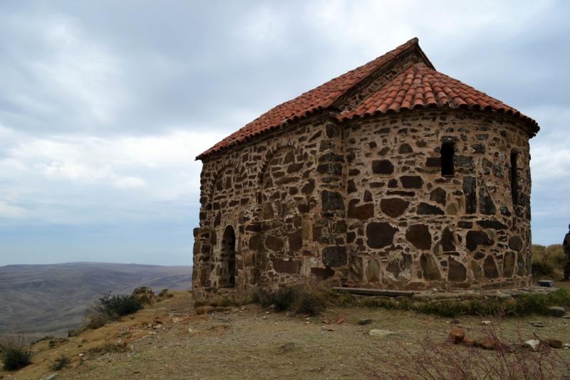 Со стороны Азербайджана попасть в Давидо-Гареджийский монастырь