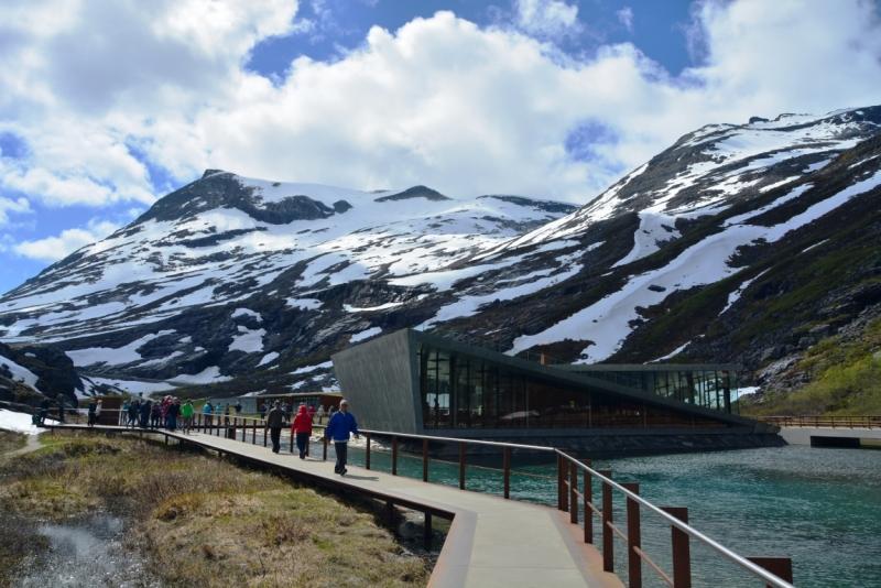 Норвегия сквозь солнечные очки. Водопады, фьорды, озера, ледники. Май-Июнь 2016