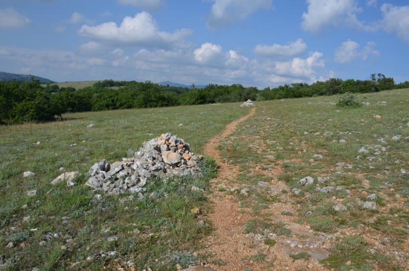 Западный берег Крыма: мыс Тарханкут, пещерные города, Севастополь и Форос. Май 2016