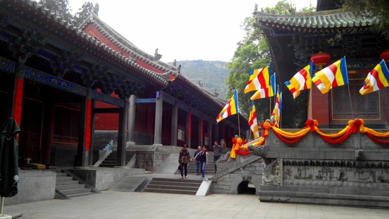 chengde buddhist singles Chengde is located in the northeastern portion of hebei, with latitude 40° 12'-42° 37' n, and longitude 115° 54'-119° 15' e, and contains the northernmost point in the province it borders inner mongolia , liaoning , beijing , and tianjin.