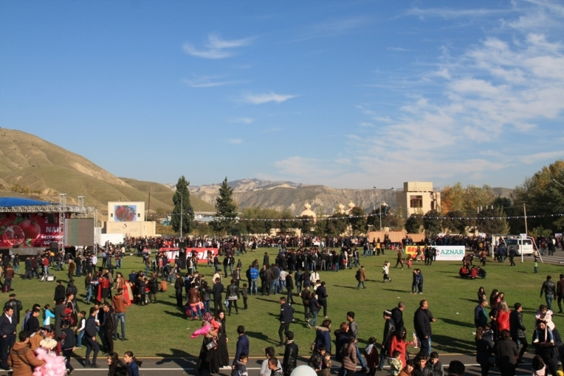 Праздник граната в Азербайджане (Гёйчай)