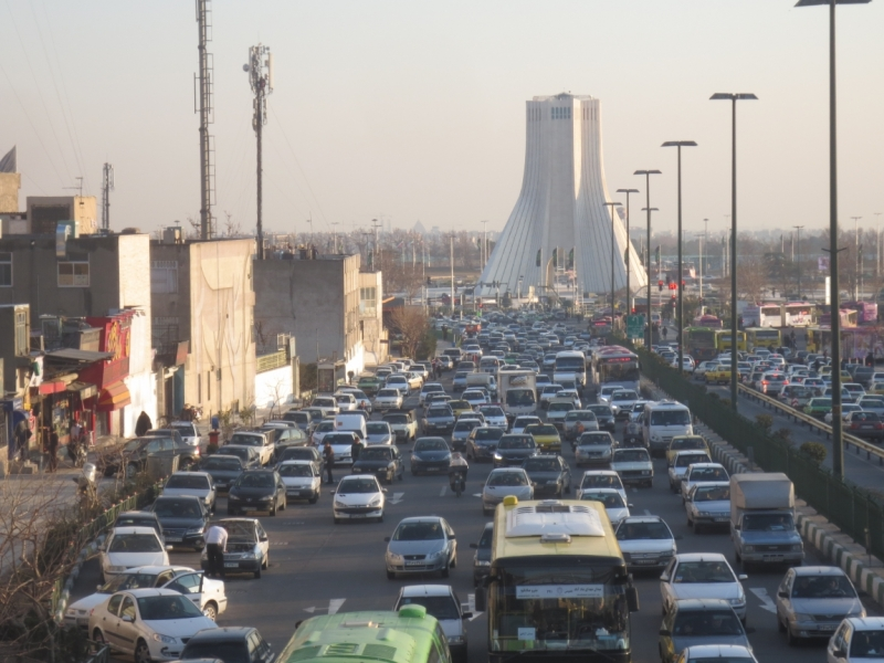 Флаги над городом (Тегеран, Язд, Баку февраль 2017)