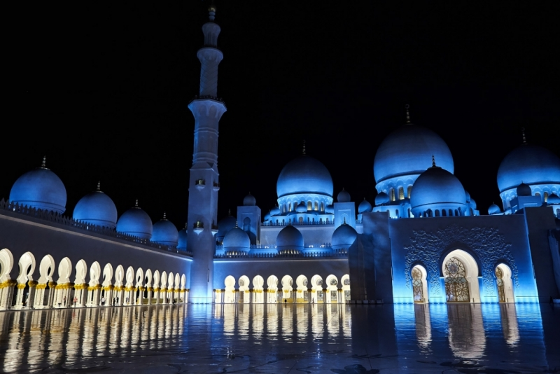 Транзит через Абу-Даби, выход в город.