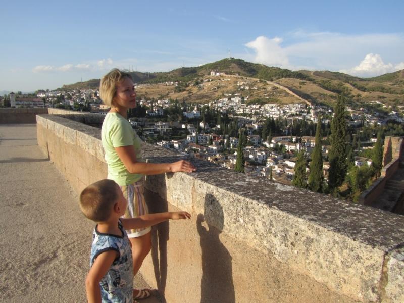 Солнечная Андалусия 2014. Малага - Альмуньекар - Гранада - Мар-Менор на общественном транспорте с ребенком.