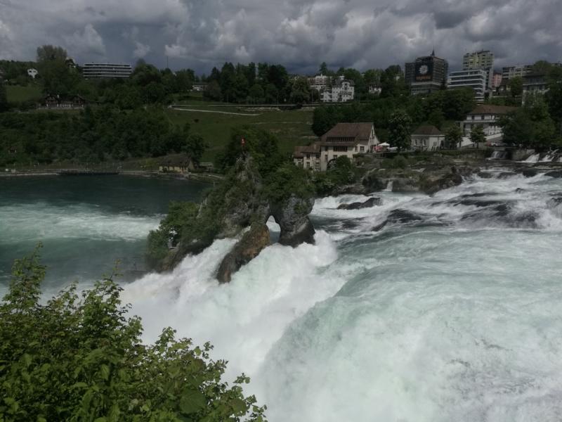 Rheinfall - самый мощный водопад в Европе