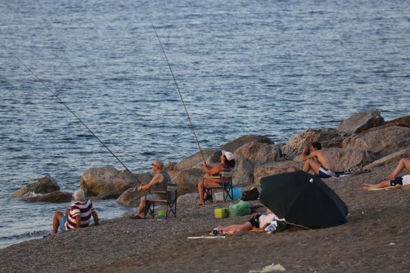 Молодая пара сняла на камеру свой отдых на море