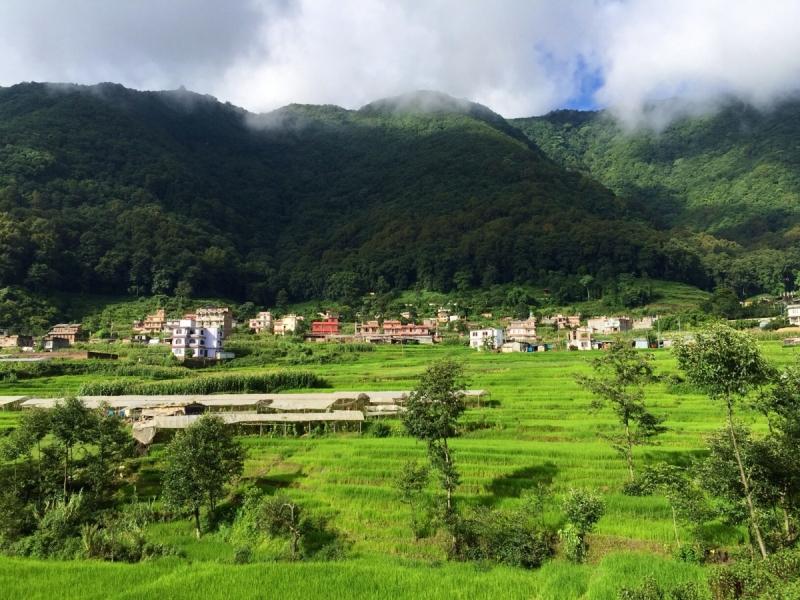 Непал - страна, где можно (было) везде курить, входить/жить с собакой, отхаркивать, пукать, водить машину без прав, жить без визы и т.д.