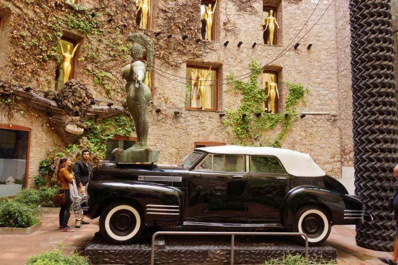 Каталония: вылазки на авто из Тоссы де Мар + Барселона.