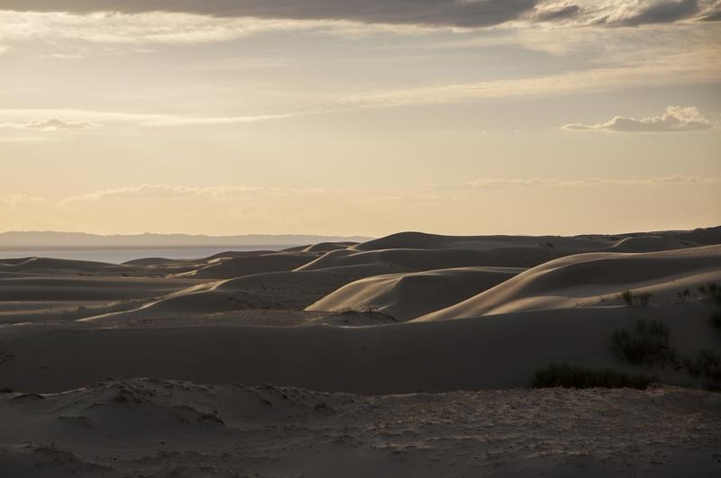 Женщина в объятиях монгольских ветров. Состояния и фотографии.