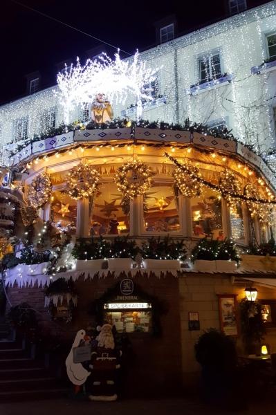 Франция. Декабрь 2017. Все живёт Рождеством…и дождём.