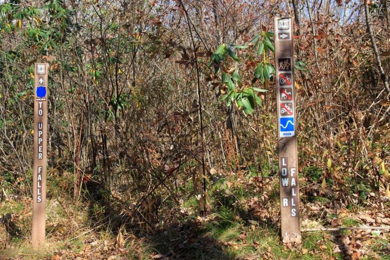 Осень в золоте и багрянце не стеснялась восхищать. Blue Ridge Parkway. 18-22 октября 2016 года.