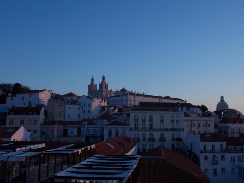 Дождь... Океан... Розы... Португалия.