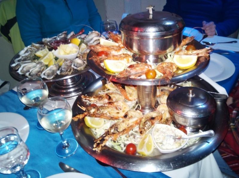 Подскажите где не дорого и вкусно поесть в Агадире?