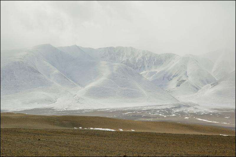 Через лёд Байкала в Монголию