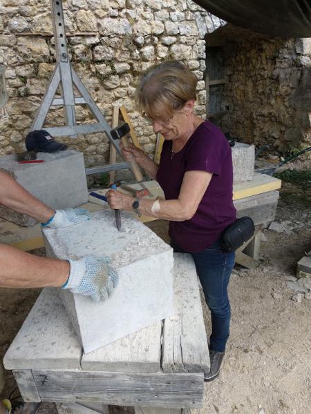 Три недели жизни среди французов на восстановлении замка под Парижем