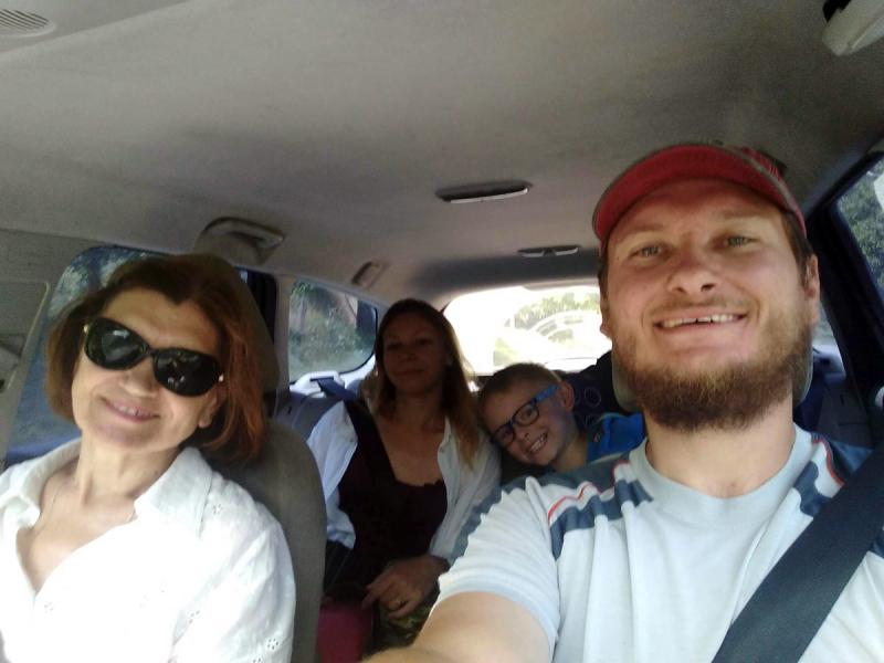 Всей семьей решили проверить: все-таки мать Путина грузинка, ну или как мы на машине поехали в Грузию.