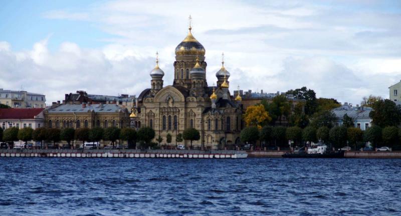 Санкт-Петербург. Самостоятельная экскурсия по непарадному Васильевскому острову.