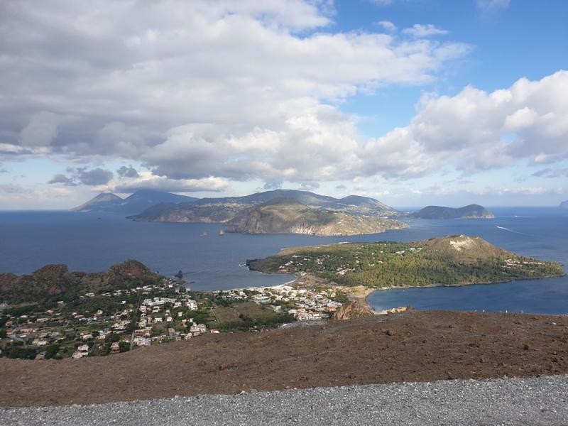Острова Стромболи и Вулкано, вопросы по посещению