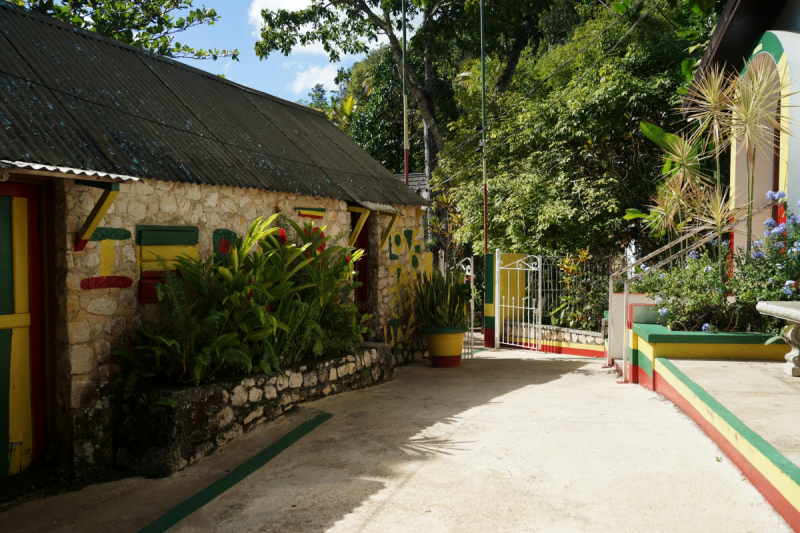 Ямайка - куда, зачем и почём. Вокруг острова по левой стороне.