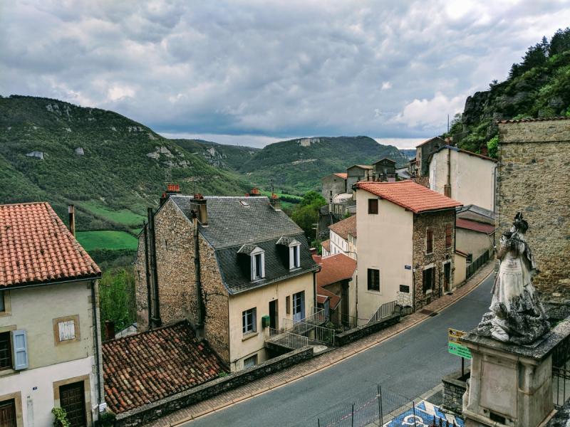 Круг по Франции за 11 дней на авто: немного Прованса, немного сыра и вина, замки Луары и не только. Май 2019.