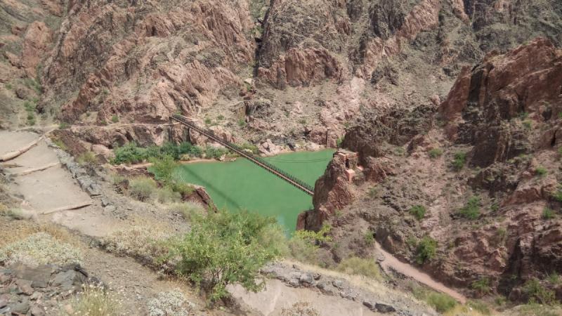 Гранд Каньон: спуск к реке Колорадо и подъем за один день.