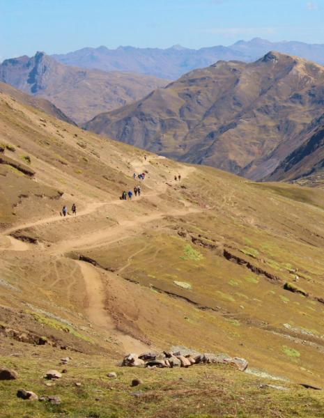 Радужные горы в Перу. Вопрос по горе Palccoyo