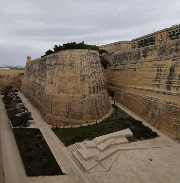 Мальта в подарок на 8е марта или как мы запрыгнули в последний вагон перед эпидемией