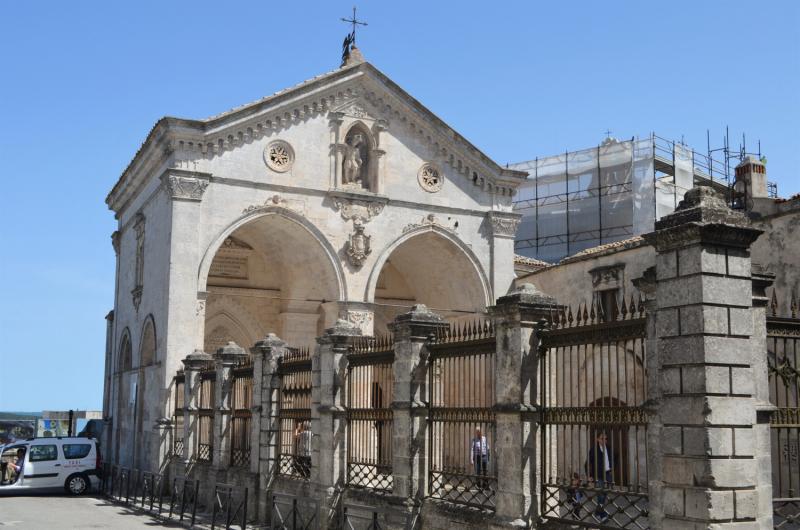 Апулия. Монте-Сант-Анджело (Monte Sant'Angelo)