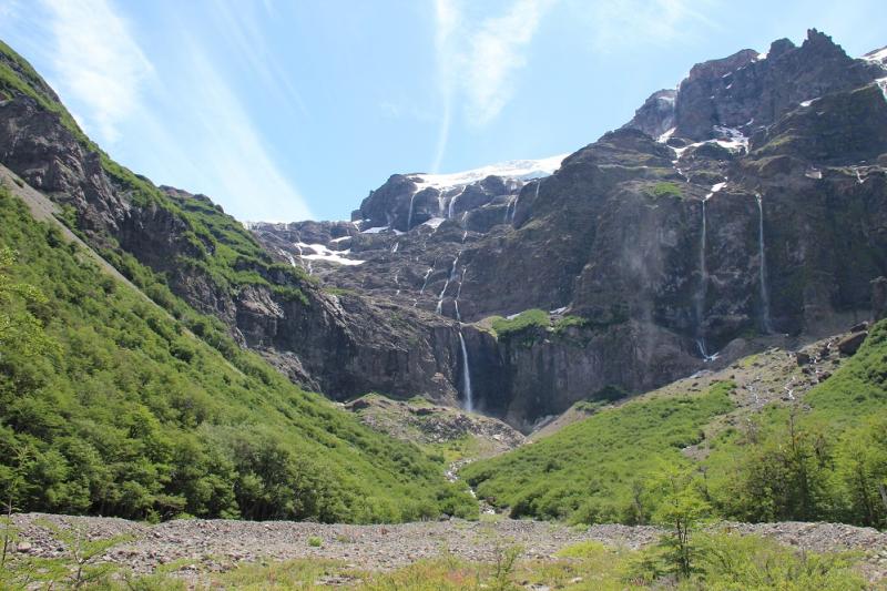 В Аргентину, на край света на 2 недели: от Буэнос-Айреса до Ушуайи. В водопадах Игуасу промокли, по леднику Перито-Морено лазали, пингвинов посещали!