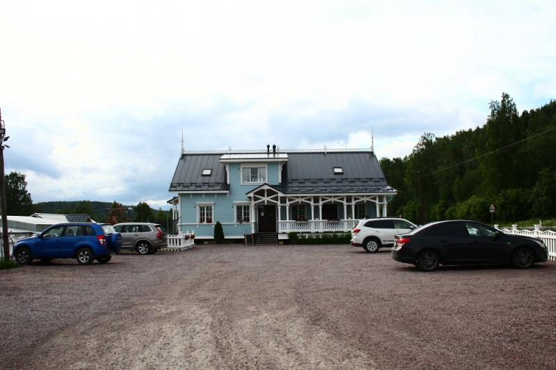 Выбирая между Норвегией и Исландией, выбрали Карелию. На арендованном авто. Очень понравилось!