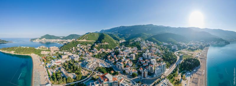 Солнце, море и горы, без справок и виз - это Черногория