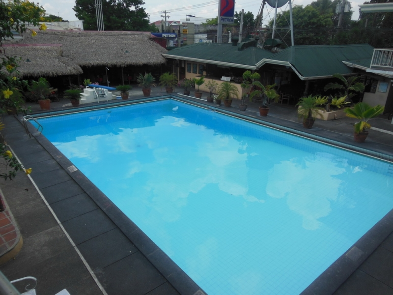 Pool in Sunset Garden Hotel (Angeles City)