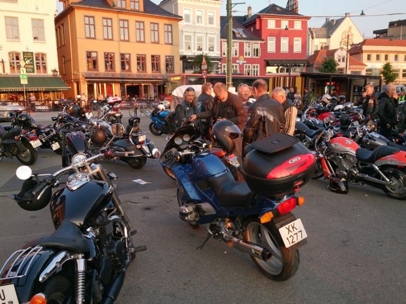 От Бергена до Олесунна: без машины, но при поддержке троллей.