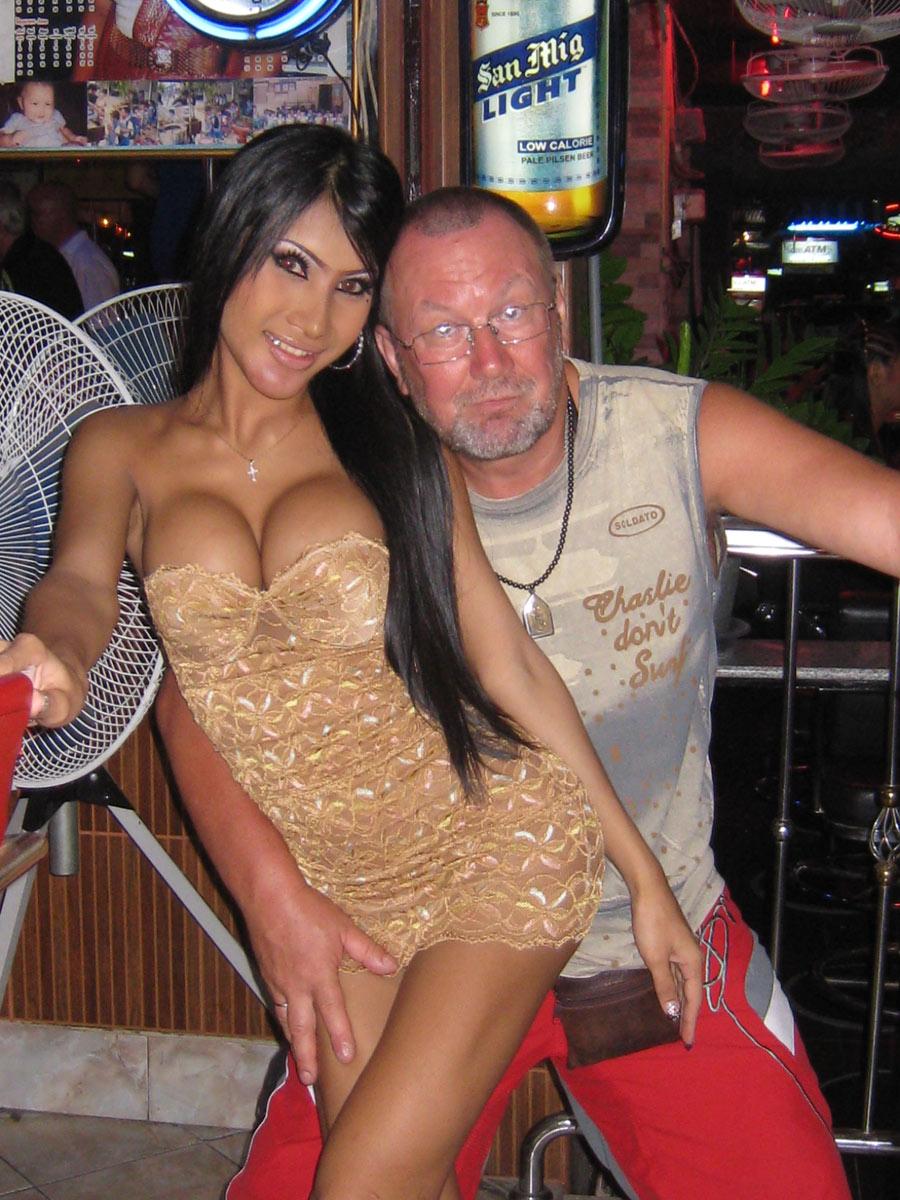 Секс с двумя тайками в тайланде