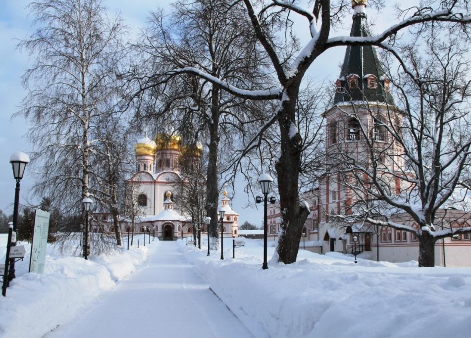 Иверский монастырь зимой фото
