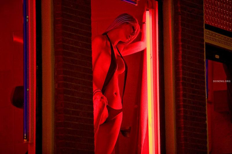 Как фонарей снять красных проститутку улица