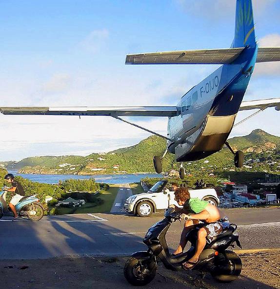 Аэропорт на острове Saint-Barth, компания Air Caraibes