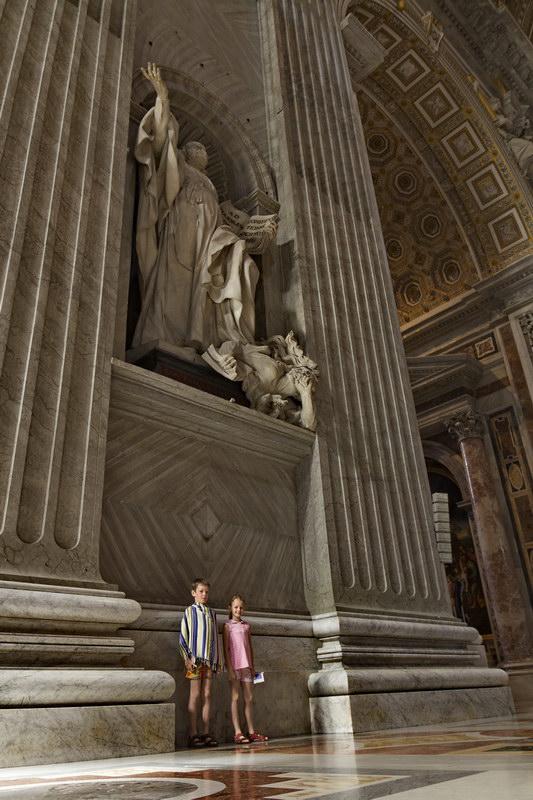 Вот оно великолепие католических соборов!