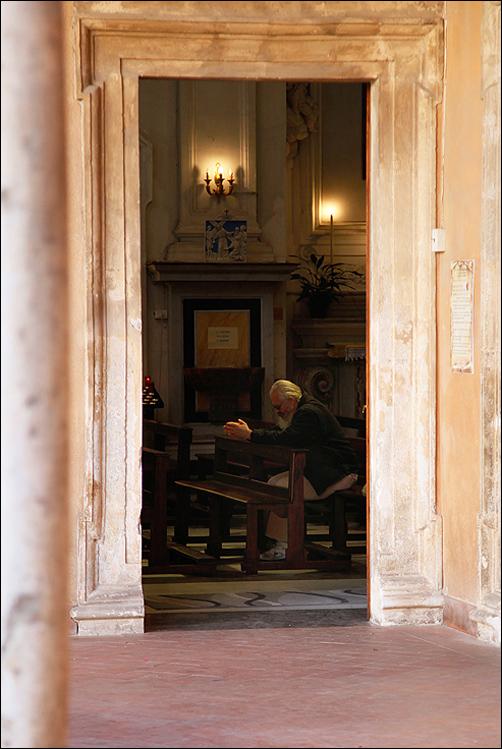 Палермо. Церкви и рынки, балет и мертвецы, устрицы и требуха. 10 майских дней