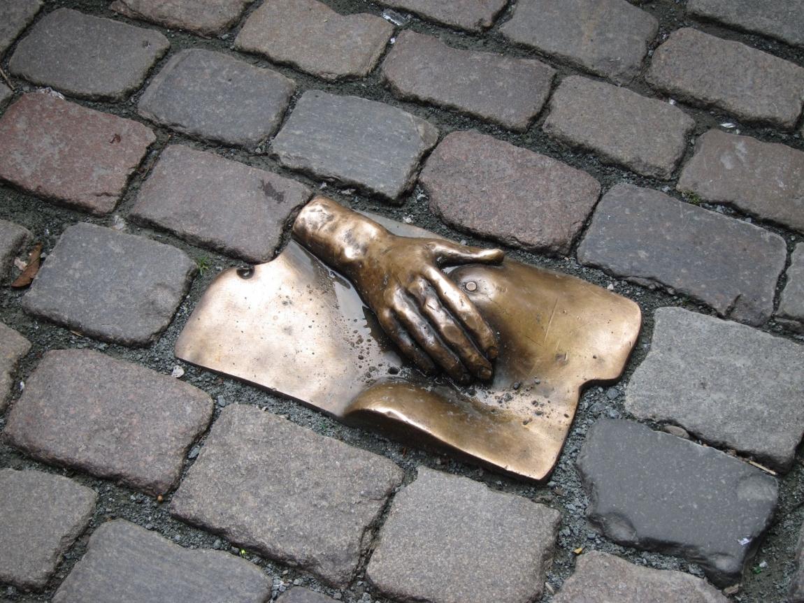 памятник проститутке голландия: