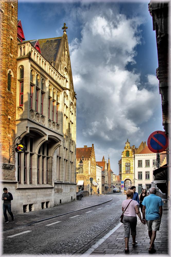 Один взгляд назад (Реймс, Аббатство Орваль, Динан, Брюгге, Гент, Брюссель, Мехелен, Антверпен, Амстердам)