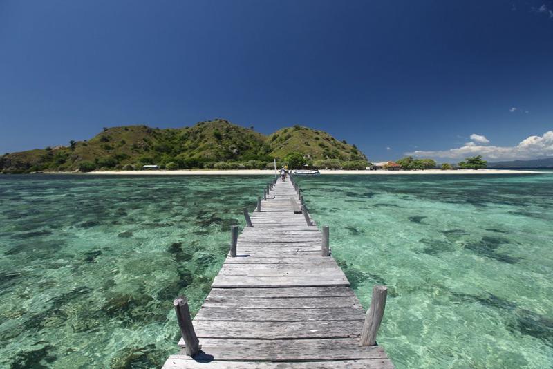 Бунгало в остров Торони на берегу моря недорого