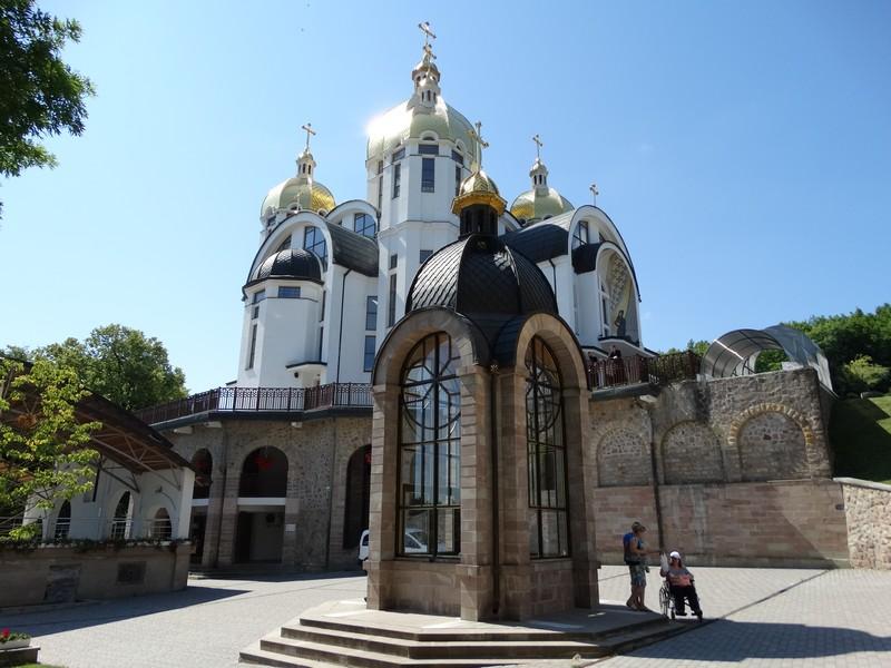 зарваница тернопольская область монастырь фото просто взять